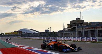 Sainz: Wind direction could hurt McLaren in Russian GP - F1