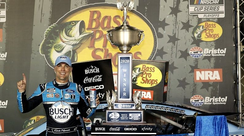NASCAR Bristol: Harvick holds off Busch for victory - NASCAR