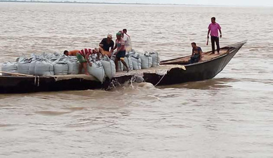 Water level in Ganges basin unsteady
