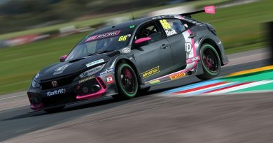 BTCC Thruxton: Lights-to-flag victory for Cook in race three - BTCC