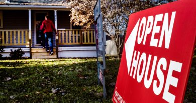Mortgage rates set another record low, sparking refinances