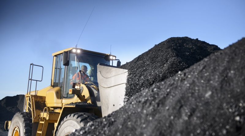 Activist tries to shore up support for CEO attempting to turn around troubled coal company