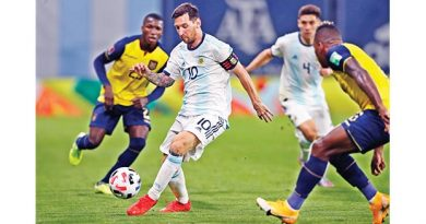 Messi penalty gives Argentina winning start