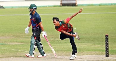 Tamim XI tumble down at 103