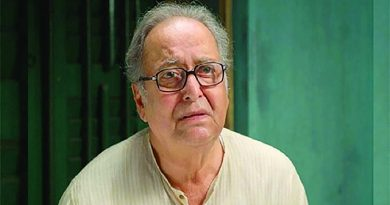 Soumitra puts on ventilation   The Asian Age Online, Bangladesh