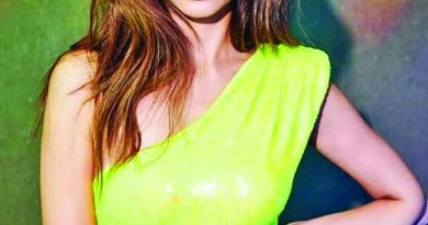 Kriti brings fall season much sooner for fans | The Asian Age Online, Bangladesh