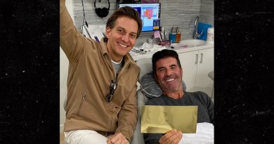 Simon Cowell Gets a Set of New Teeth During Back Recovery