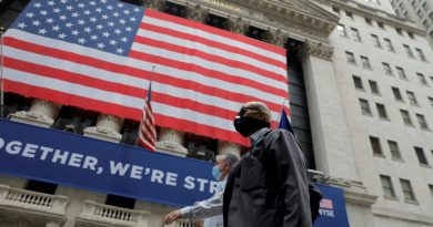 US stocks mixed as clock ticks to reach a stimulus deal   US & Canada News
