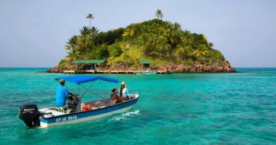 BBC - Travel - Providencia: An island with a 'sea of seven colours'