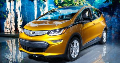 GM recalling Chevrolet Bolt EVs due to fire risks amid federal probe