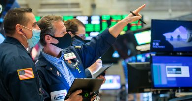 Dow falls more than 200 points a day after soaring past 30,000