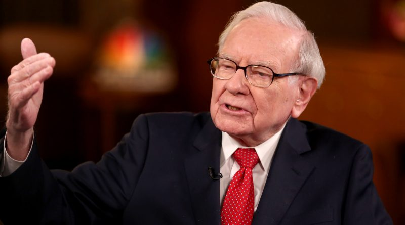 Warren Buffett to Congress: Extend relief for small businesses: 'It's an economic war'