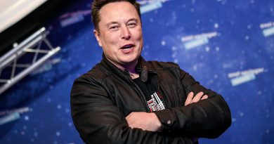 Elon Musk confirms he moved to Texas