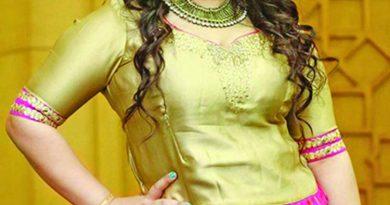 Apu Biswas gets emotional dubbing 'Priyo Komola' | The Asian Age Online, Bangladesh