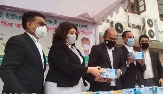 RULA President distributes masks among lawyers