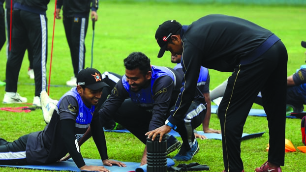Dhaka eye berth in playoffs