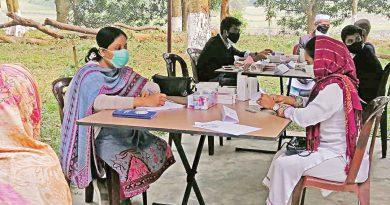 Health camp held in Kaliganj by Shishu Aangina