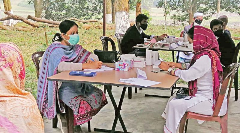 Health camp held in Kaliganj by Shishu Aangina