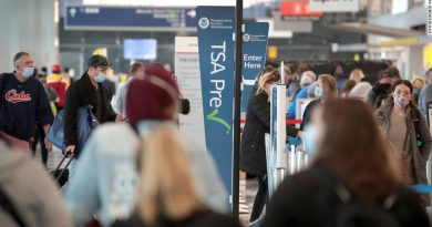 US airport workers fear for safety on Covid frontline