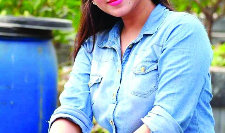 Faria Shahrin as Mona Lisa | The Asian Age Online, Bangladesh