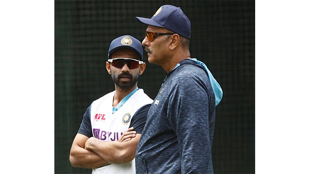 India make four changes, Australia look to turn screw