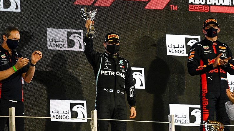 "Defeat to Red Bull in F1 Abu Dhabi GP ""a slap on the wrist"" - Mercedes 