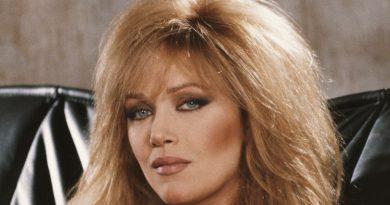 Bond Girl & 'That '70s Show' Star Tanya Roberts Dead at 65