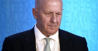 Goldman Sachs CEO David Solomon gets $10 million pay cut over 1MDB