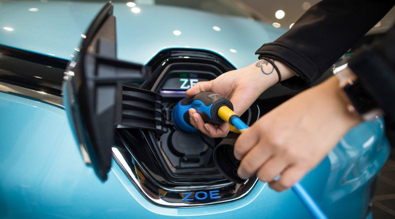 Public cash must tackle buyer anxieties over EVs, Renault says