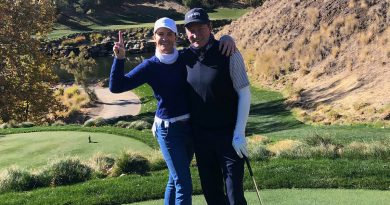Wayne Gretzky Hits His First Hole-in-One on New Year's Eve