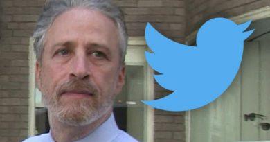 Jon Stewart Joins Twitter to Defend Redditors Against Wall Street Insiders